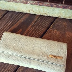 New! Kenneth Cole Reaction Wallet